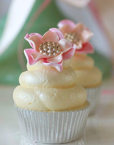 Bespoke Cupcakes Cakes from Birmingham UK